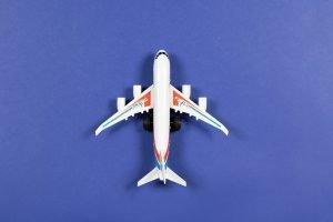 toy-plane-travel