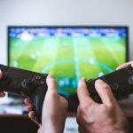 Online Peer-to-Peer Gaming: How Does it Work?