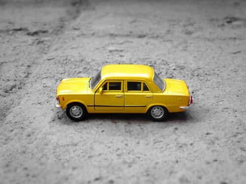 yellow-minicab-image