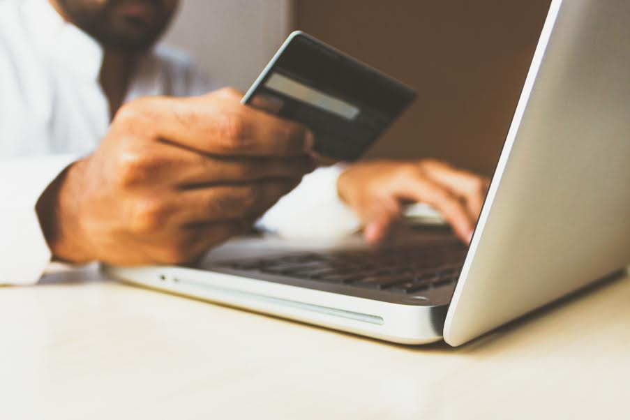 paying-with-card-online