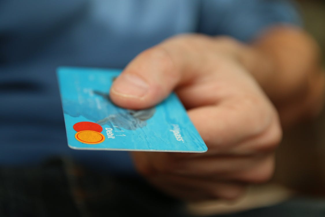 paying-with-card