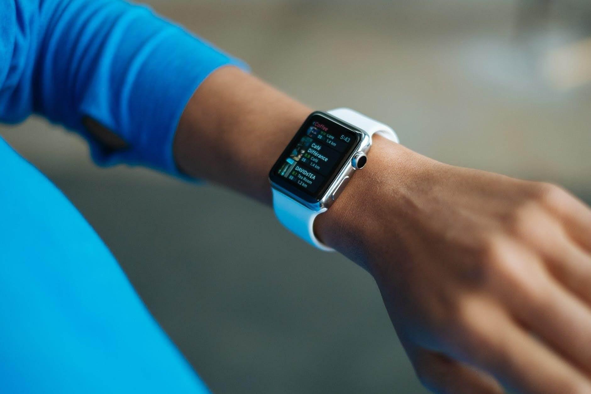 smartwatch-wearer