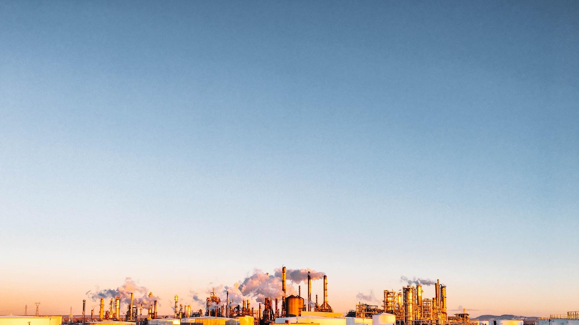 BP-oil-factory