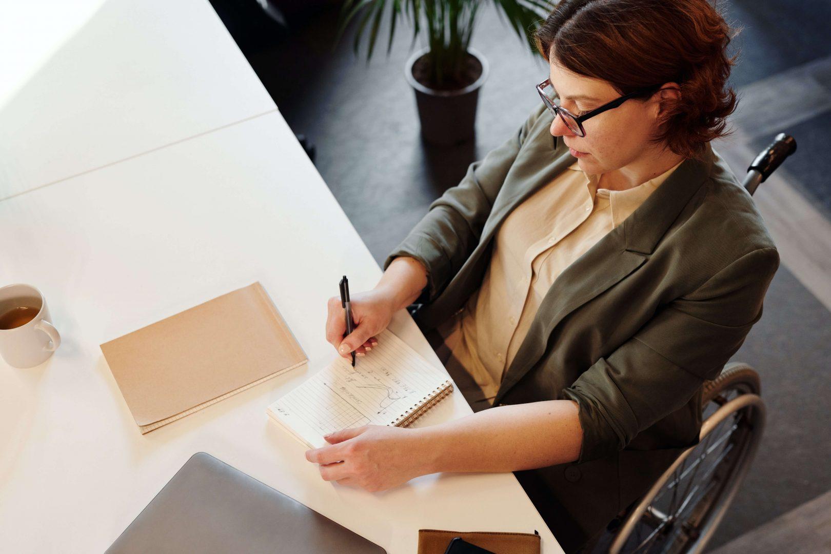 business-woman-writing
