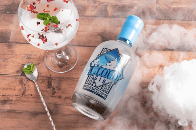 Cloud-gin-with-cocktail