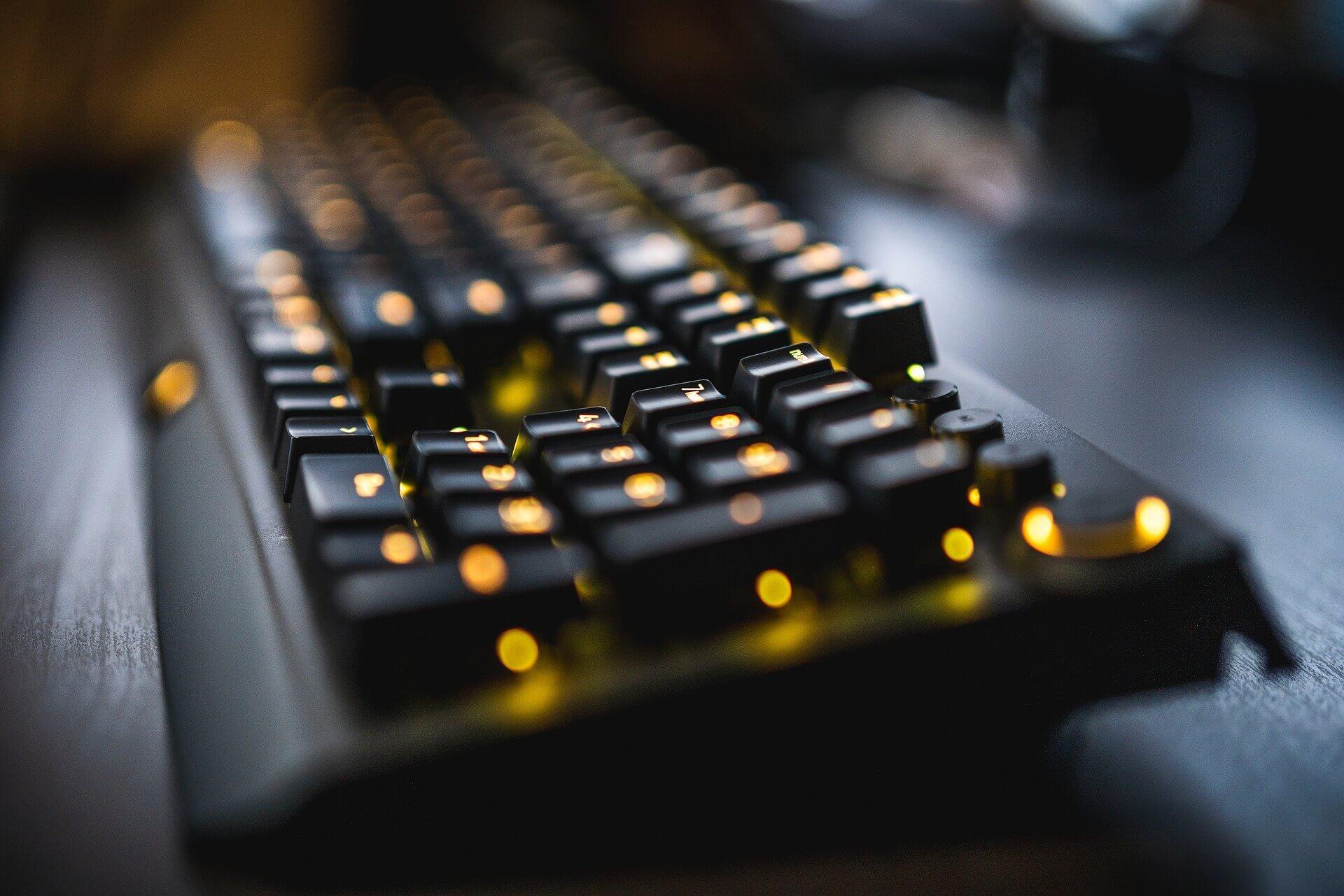 online-gaming-keyboard