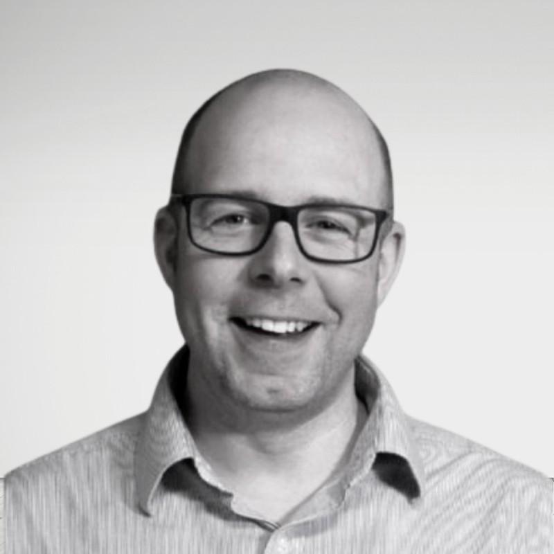 James-Cook-LeadRetriever-Executive-Chair