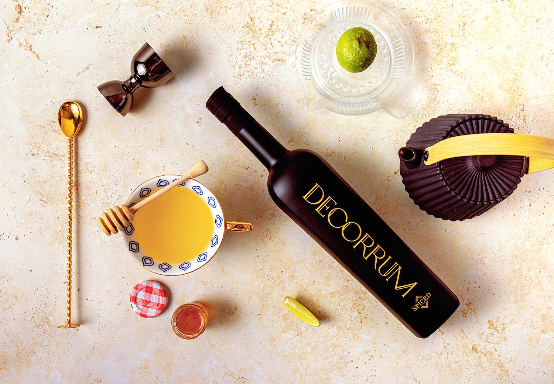decorrum-bottle